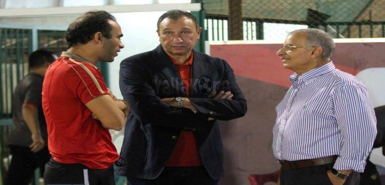 محمود الخطيب أثناء زيارة الأهلي