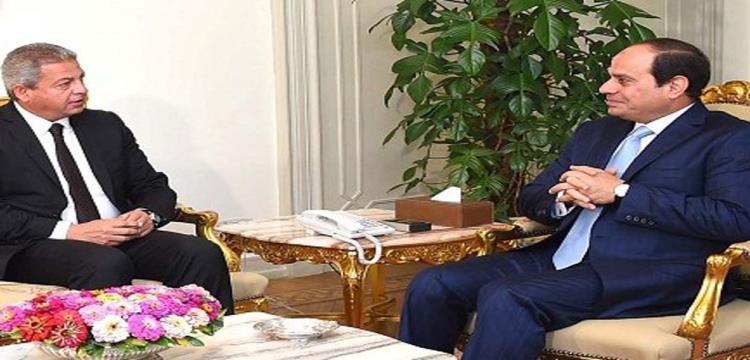 صورة ارشيفية - الرئيس السيسي ووزير الرياضة