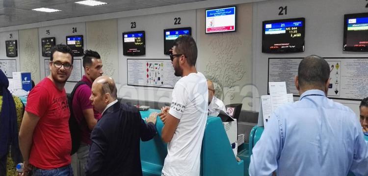 علي معلول في مطار قرطاج
