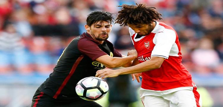 محمد النني يصارع على الكرة مع نوليتو