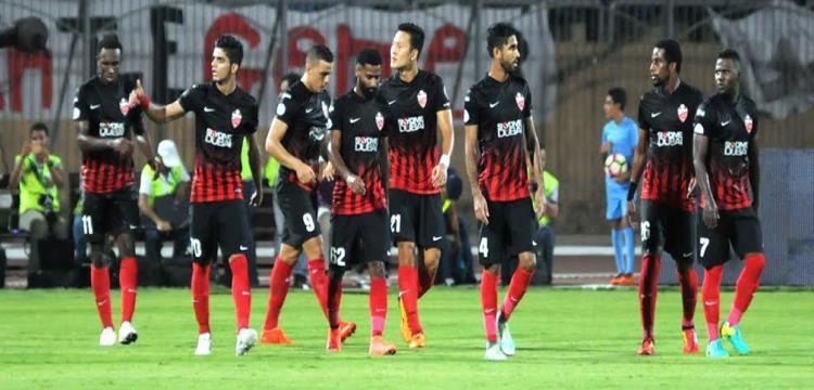 لاعبو الأهلي الإماراتي يحتفلون