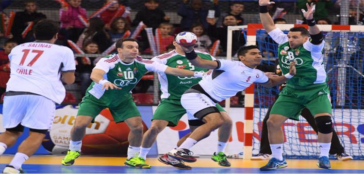 لقطة من مباراة المجر وتشيلي