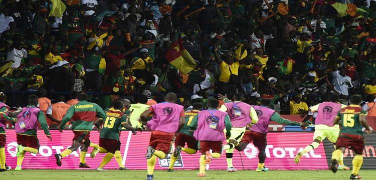 فرحة لاعبو الكاميرون بالفوز