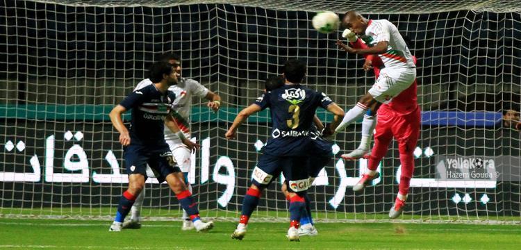 جانب من مباراة الدور الأول التي انتهت بالتعادل (1-1)