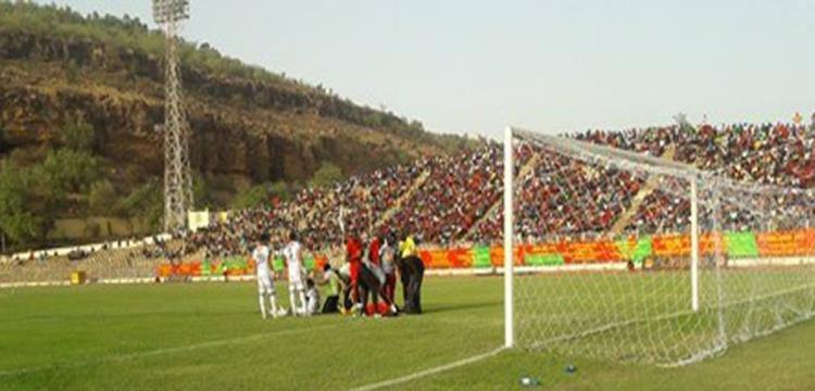 لقطة من مباراة دجوليبا والمصري