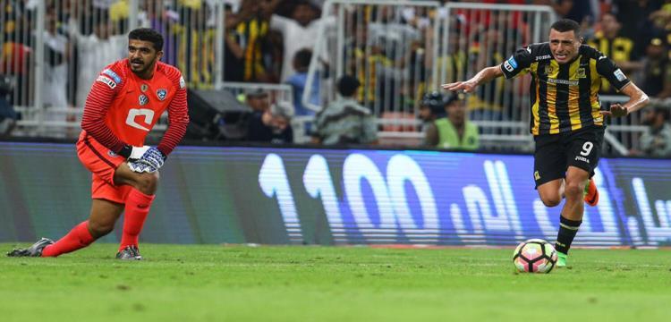 لقطة من مباراة الاتحاد والهلال
