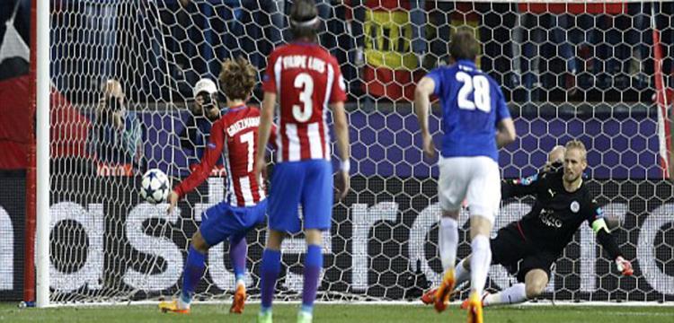 جانب من مباراة أتلتيكو مدريد وليستر سيتي