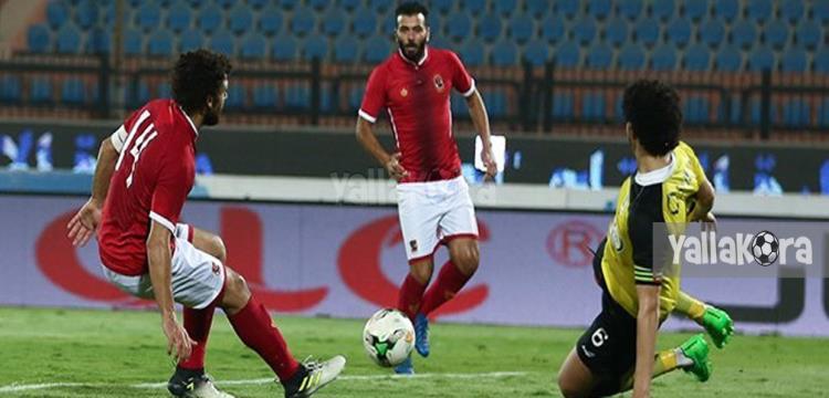 حسام غالي وعماد متعب في لقطة المباراة