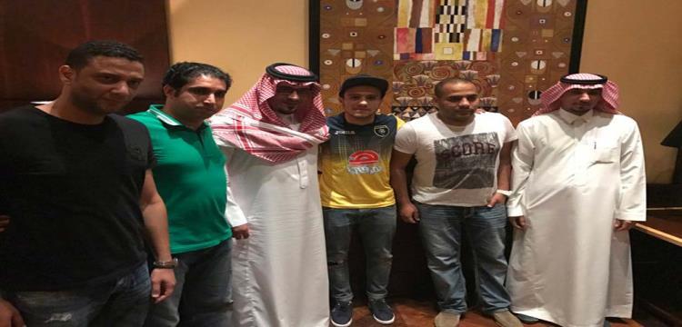 مصطفى فتحي بقميص التعاون
