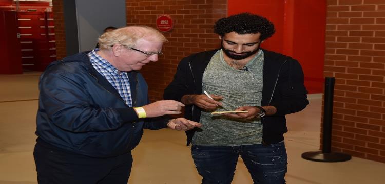 محمد صلاح مع جماهير ليفربول