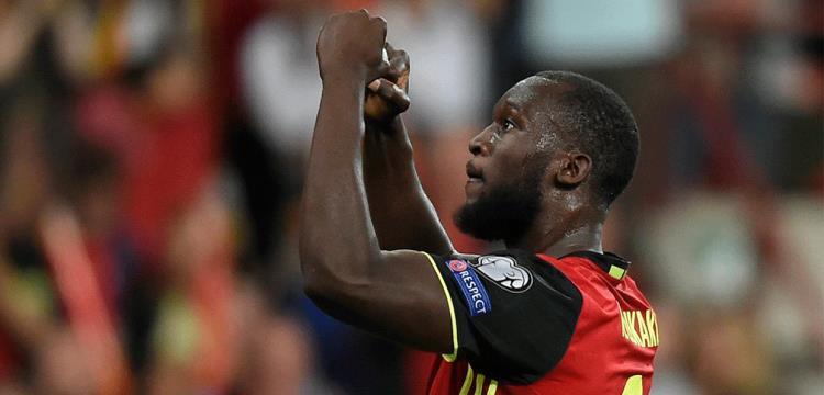 لوكاكو يحتفل بهدف التأهل للمونديال