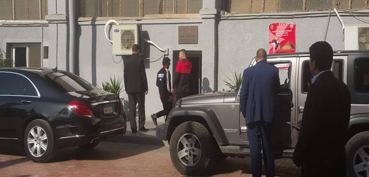 غالي أثناء التوجه لجلسة تركي آل الشيخ