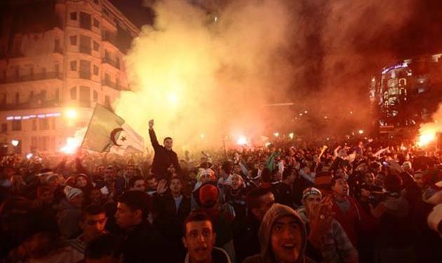 جرحى في احداث شغب بمباراة في الدوري الجزائري