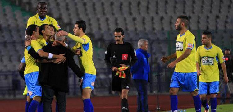 ابراهيم حسن لاعب الاسماعيلي مع احمد العجوز