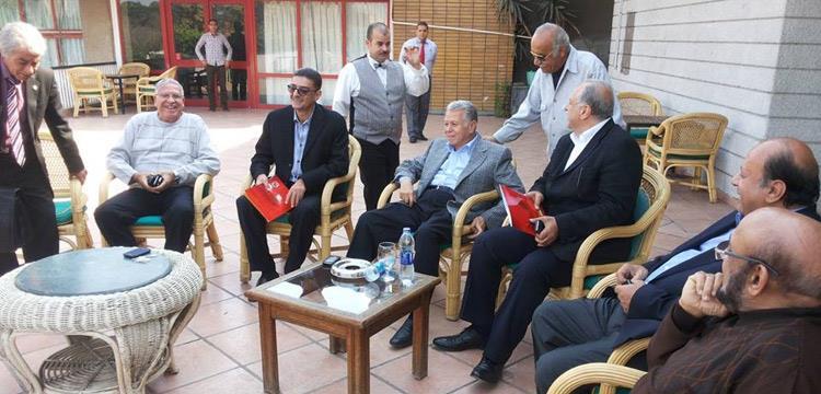 محمود طاهر مع حسن حمدى