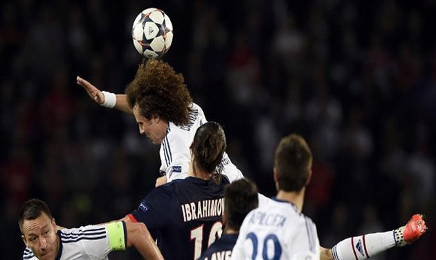 يويفا يعاقب باريس سان جيرمان بإغلاق مدرجين من ملعبه للإساءة لجماهير تشيلسي