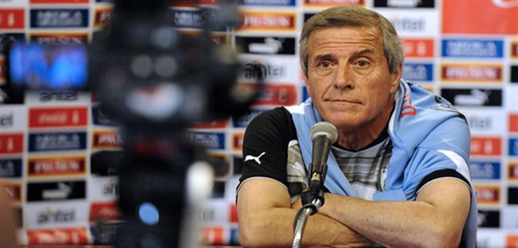 منافس مصر.. مدرب أوروجواي يتحدث عن المونديال..ويؤكد: لم يضمن أحد مكانه في التشكيل