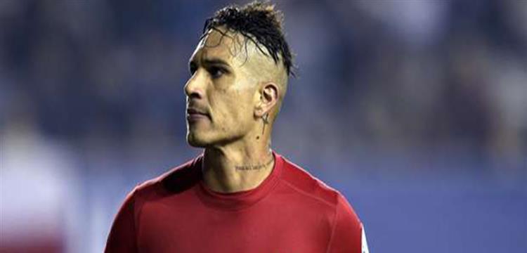 مدرب بيرو يبرر سبب عدم الدفع بقائد الفريق