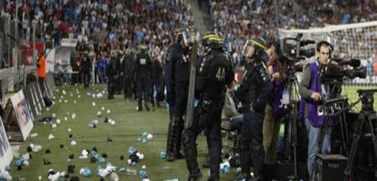 شغب المشجعين اثناء مباراة مرسيليا وأولمبيك