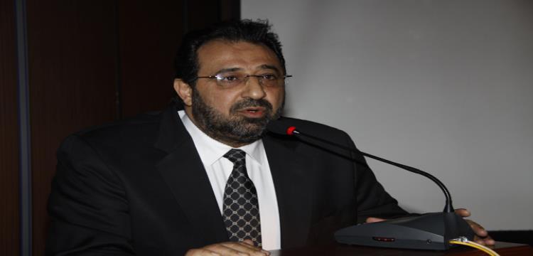 عبد الغني يواصل التصعيد في أزمة ملابس المنتخب ويطلب تدخل الوزير