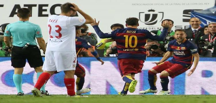 برشلونة بطلا للكأس في لقاء ماراثوني أمام اشبيلية ليتوج بالثنائية الثانية على التوالي