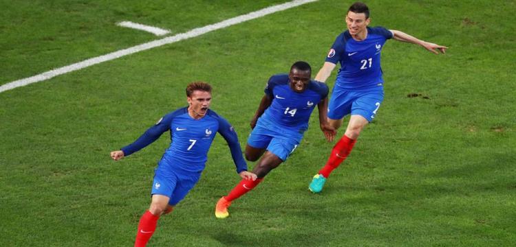 جريزمان يفوز بجائزة أفضل لاعب فرنسي لعام 2016