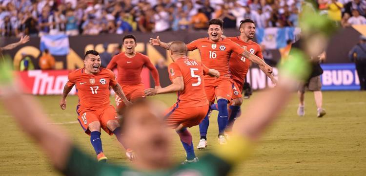 تقرير.. تشيلي تفرض سطوتها على كرة القدم اللاتينية