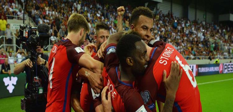 بالفيديو.. لالانا يهدي انجلترا أول ثلاث نقاط في التصفيات بفوز قاتل على سلوفاكيا