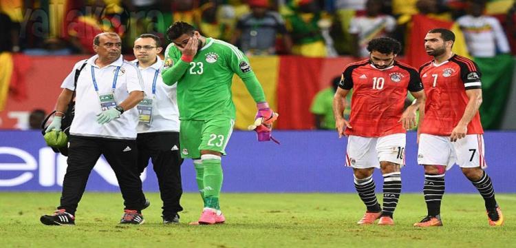 """مصر في المونديال.. متى """"يقتحم"""" طبيب المنتخب الملعب دون اذن الحكم؟"""