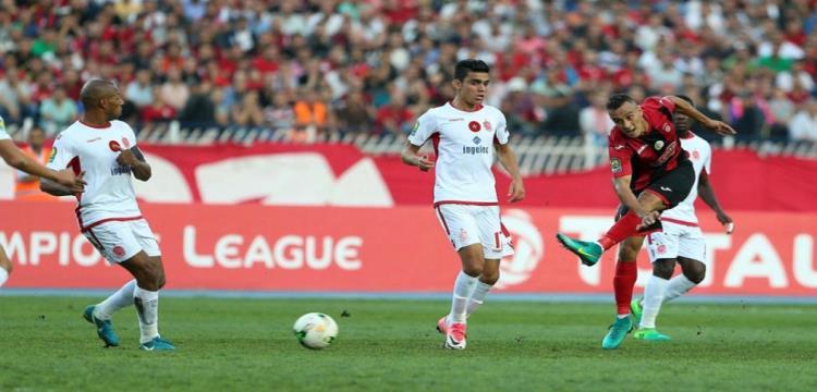كاف يعاقب 4 لاعبين من اتحاد الجزائر