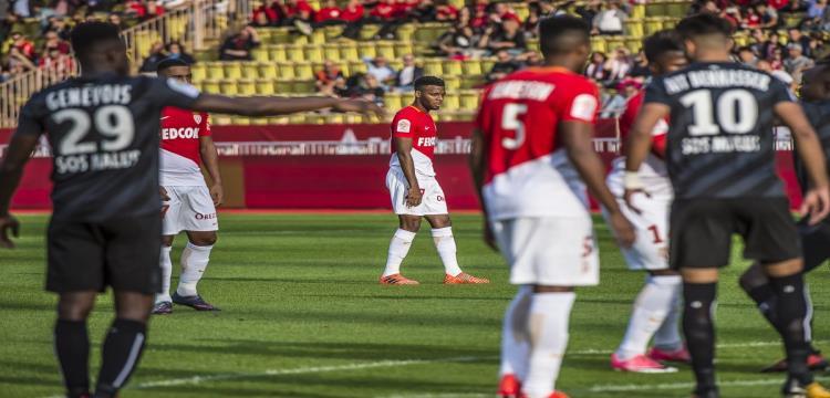موناكو يعود لنتائجه المخيبة بهزيمة أمام كان بالدوري الفرنسي