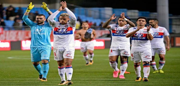 ليون يقلب تأخره أمام جانجون إلى فوز في الدوري الفرنسي