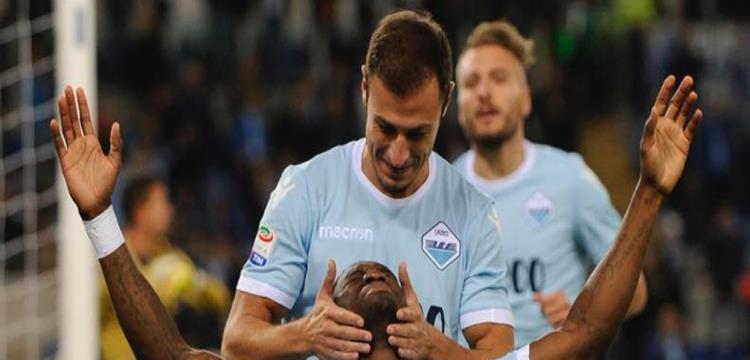 لاتسيو يعزز مركزه وسط الكبار بالفوز على بارما بالدوري الإيطالي