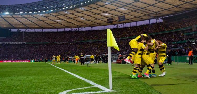 بالفيديو.. بروسيا دورتموند يتوج بطلا لكأس ألمانيا على حساب فرانكفورت