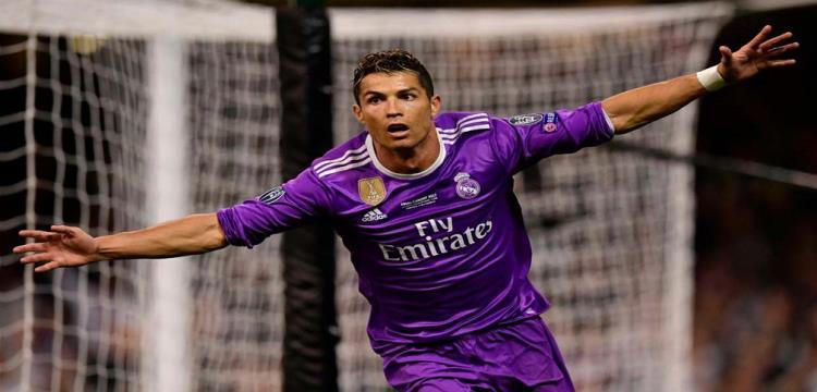 رسميا.. إفريقي وحيد ينافس على جائزة أفضل لاعب في العالم وسيطرة مدريدية