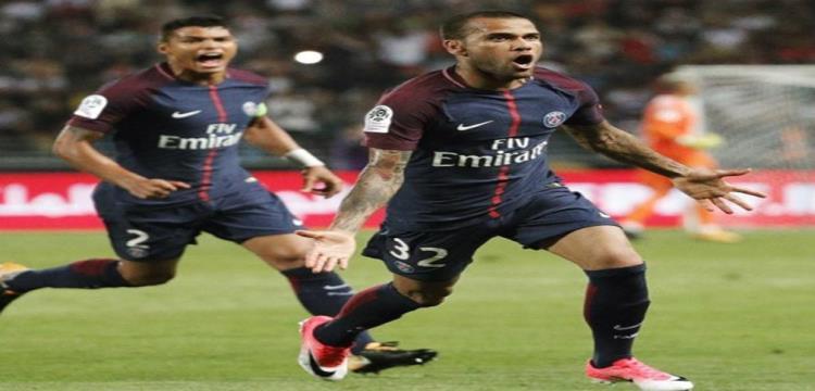 جراحة ناجحة لداني ألفيش في باريس للتعافي من إصابته في الركبة