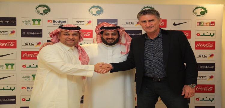 رسمياً.. السعودية تتعاقد مع الأرجنتيني باوزا لقيادتهم في كأس العالم