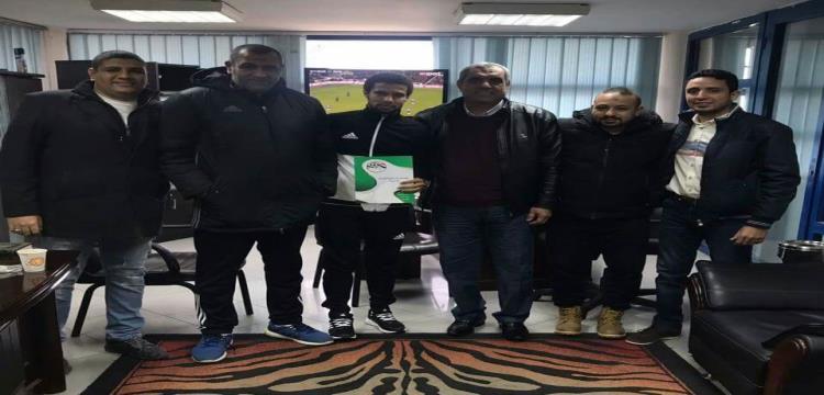 إسلام سري لاعب المصري الجديد