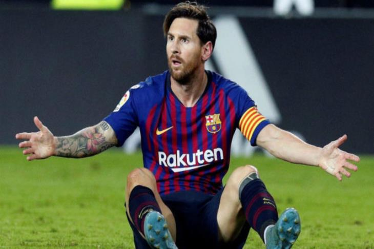 برشلونة يرد على هجوم مارادونا ضد ميسي