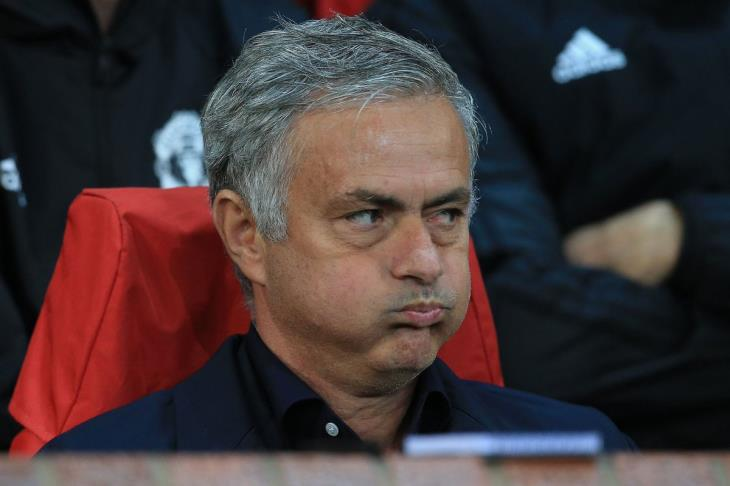 """مورينيو: لست من المعجبين بـ""""أجويرو"""".. ولكن أخشى اللعب ضده"""