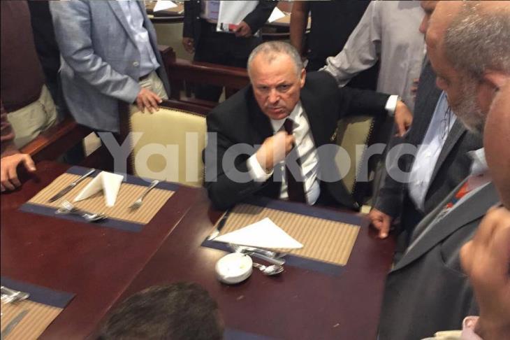 تنظيم كأس الأمم.. أبو ريدة وممثل جنوب إفريقيا يخرجان من الاجتماع لرفع الحرج