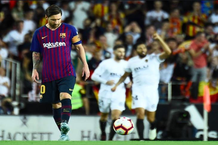 بالفيديو.. تعثر جديد.. برشلونة يترك إشبيلية في الصدارة بتعادله أمام فالنسيا