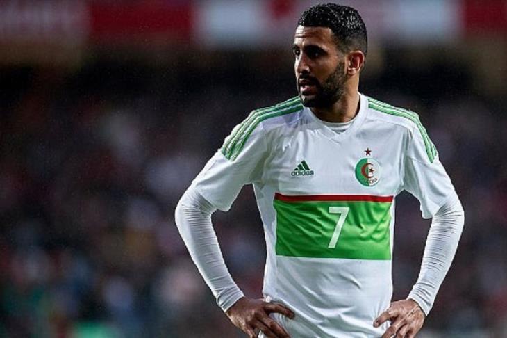 مدرب الجزائر توقع تعادل مصر وزيمبابوي.. ومحرز يرفض التعليق على مستوى صلاح