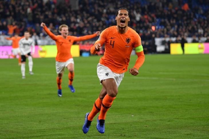 """هولندا تحطم آمال فرنسا وتقتنص بطاقة """"درامية"""" لنصف نهائي دوري الأمم الأوروبية"""