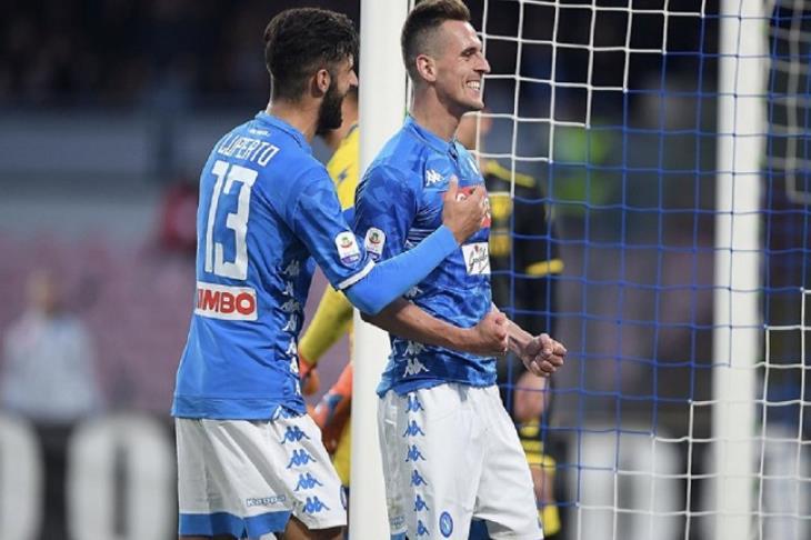 نابولي ينتزع فوزا صعبا ويواصل مطاردته ليوفنتوس في الدوري الإيطالي
