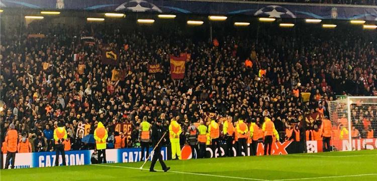 روما يدين أعمال الشغب من جانب مجموعة قليلة من مشجعيه في ليفربول
