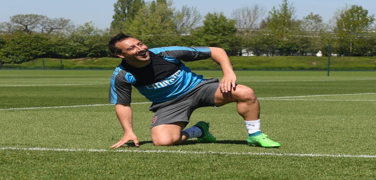 كازورلا يعود لتدريبات أرسنال لأول مرة بعد 19 شهر من إصابته
