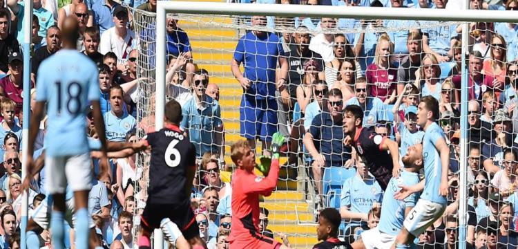 هيديرسفيلد يوقف سلسلة انتصارات مانشستر سيتي في الدوري الإنجليزي