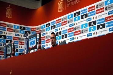 أسباس: الجماهير تريد انتصارا بـ8 و10 أهداف على سويسرا وتونس