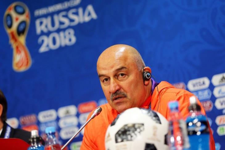 "مدرب روسيا: مصر فريق ""ملتزم دفاعيا"".. وصلاح معهم مختلف لكن نجمه لن يخفت"